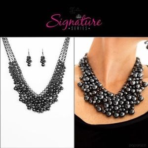 Limited edition Zi collection piece by paparazzi